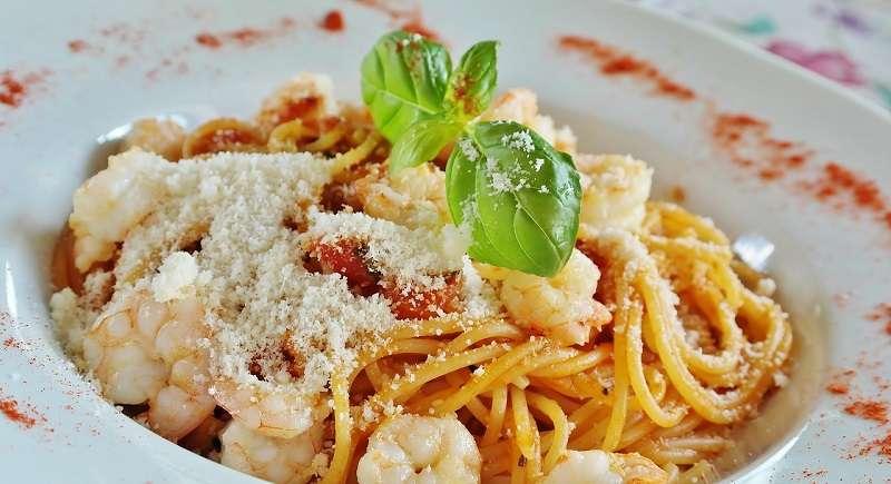 Cibo italiano: spaghetti